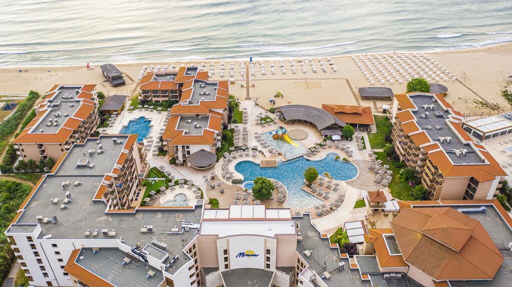 Клуб Хотел Мирамар