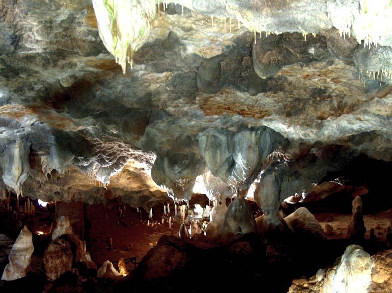 Българската пещера Снежанка